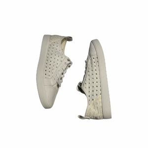 New UGG white lace-up Eyelet Sneakers. Size 11